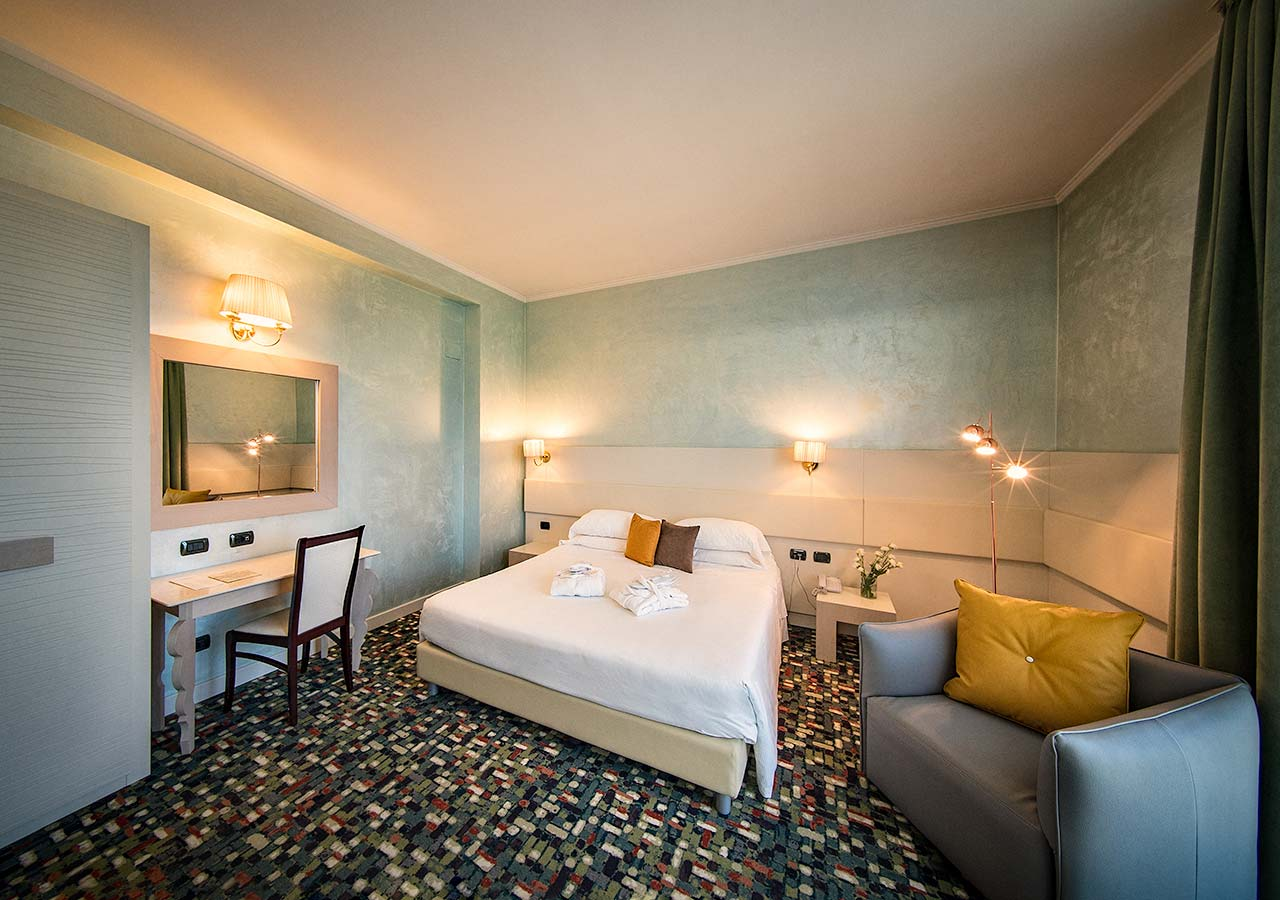 CAMERA suite HOTEL SANTACROCE OVIDIUS SULMONA